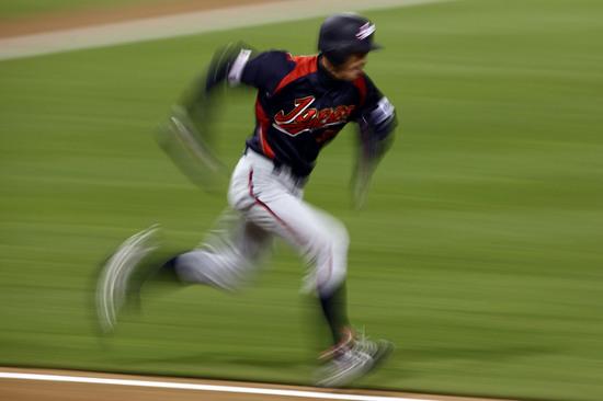 Ichiro suzuki running.jpg